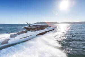 V78 Exterior white hull | V Class