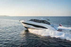 V55 Exterior white hull | V Class