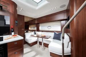 V50 Open interior saloon walnut satin | V Class