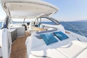 V50 Open exterior main deck | V Class