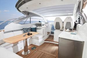 V40 Exterior main deck | V Class